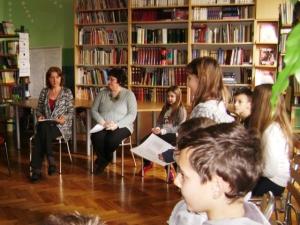 Ravnateljica Sanja Ferkula u razgovoru s članovima vijeća